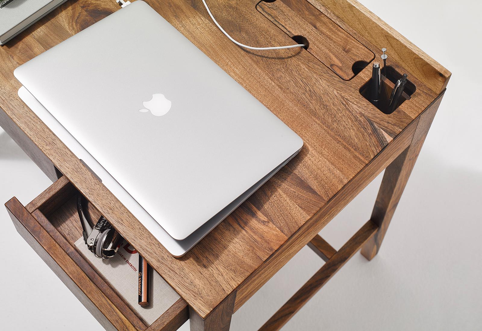 THEO light desk
