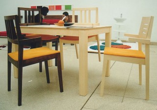 SOLID table with 4 chairs