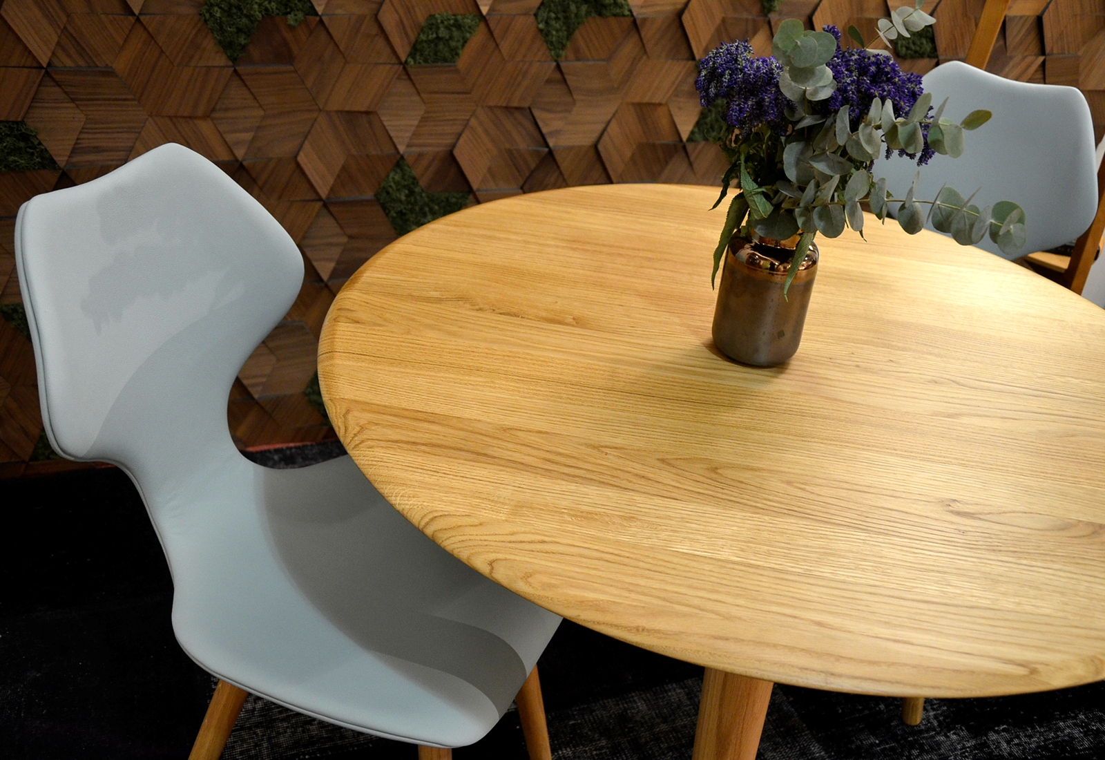 FRIDA upholstered chair